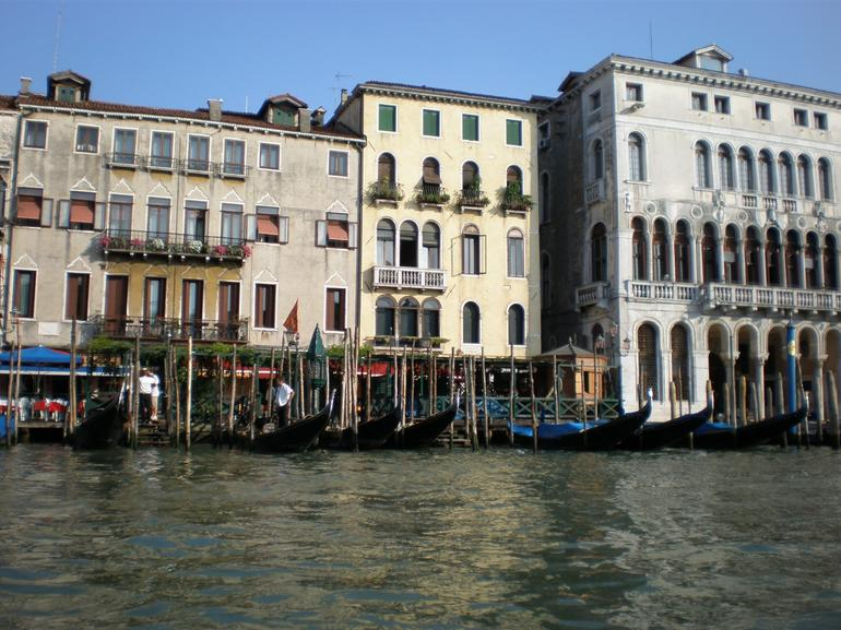 Private Tour: Venice Gondola Ride with Serenade photo 31