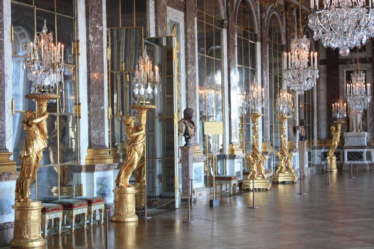 Chamber of Mirrors - Paris