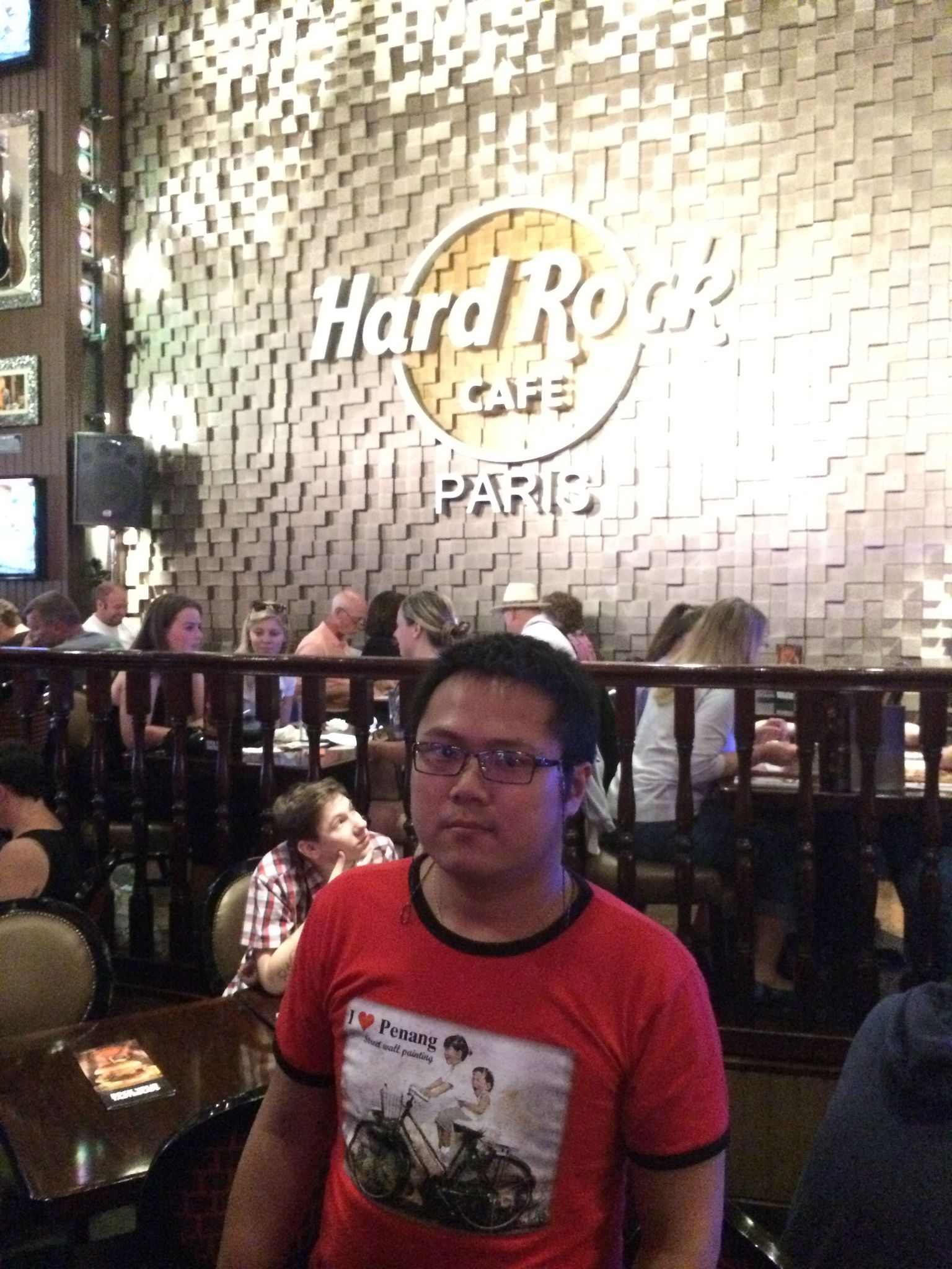 MAIS FOTOS, Evite as filas: Hard Rock Cafe Paris, incluindo refeição