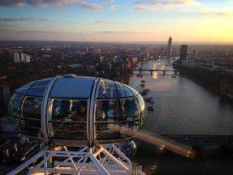 London in One Day Sightseeing Tour with London Eye - London