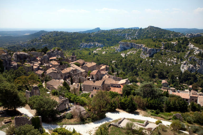 The village among the hills - Avignon