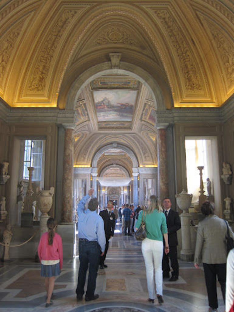 Through the halls of the Vatican - Rome