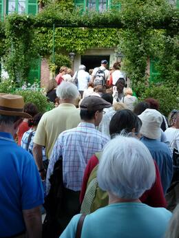 It was a beautiful hot day in early June and it seems that every tourist in Paris had made the trip to Giverny. - June 2010