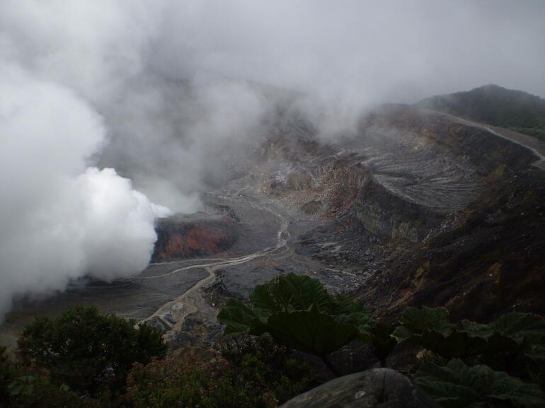Poas Crater - San Jose