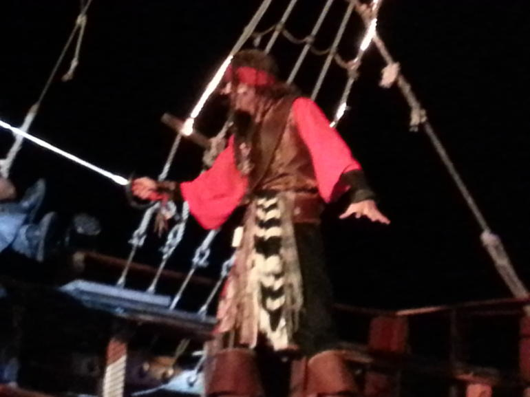 Jolly Roger Pirate Night Show and Dinner in Cancun