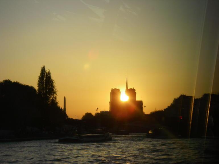 Notre Dame Blick vom bateaux parisien - Paris