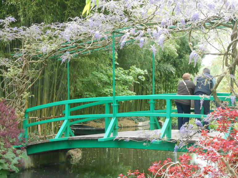 The gardens at Giverny - Paris