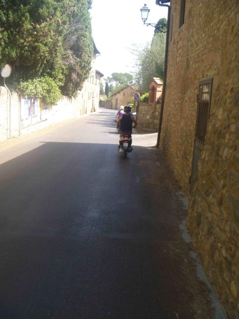 Vespa tour on the village streets - Florence