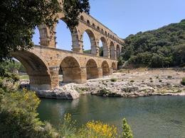 Pont du Garden Roman aqueduct , Lynne A - June 2017