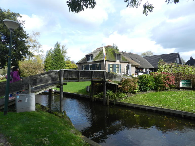 Giethoorn & Enclosing Dike Full-Day Tour from Amsterdam photo 29