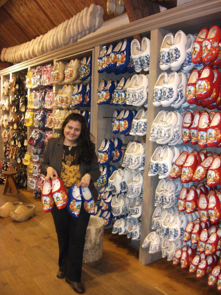 Beautifully Painted Clogs_DSCF5524_Tania Dey - Amsterdam