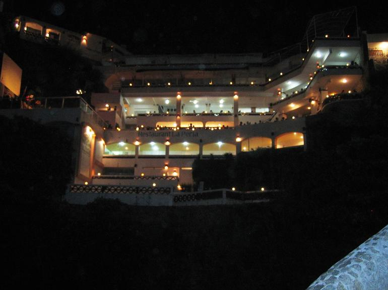 La Perla - cliff divers - Acapulco