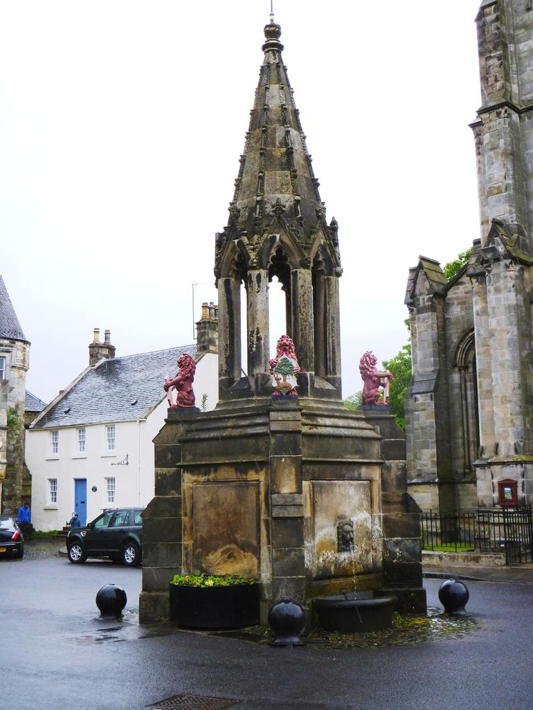 Fife, Falkland, Bruce Fountain 1 - Edinburgh