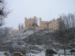 Walking up to the castle., Joseph S - January 2008