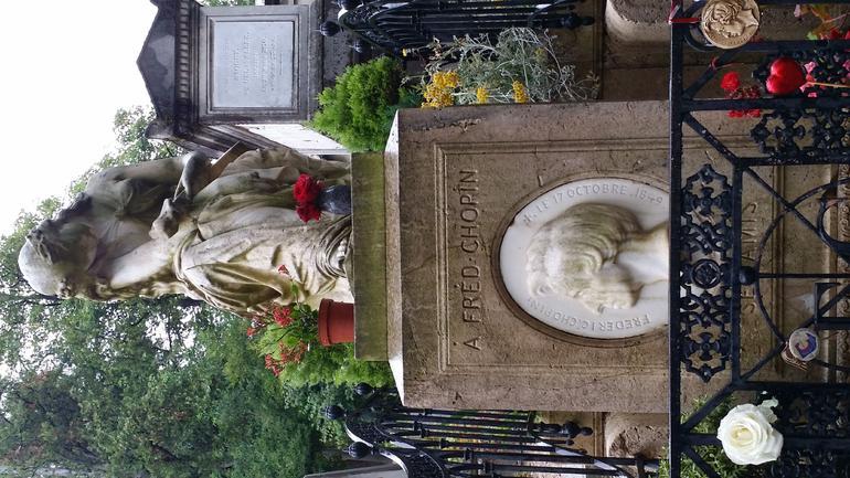 Paris' Pere LaChaise Gravestone - Paris