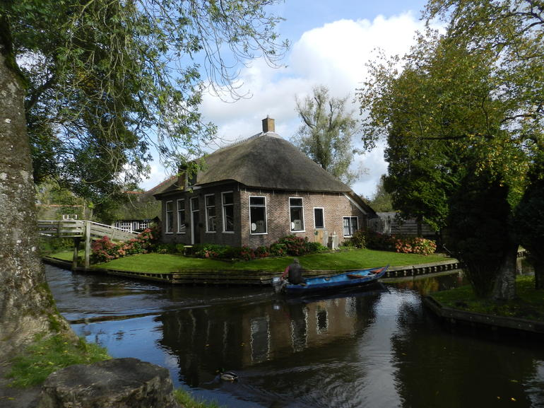 Giethoorn & Enclosing Dike Full-Day Tour from Amsterdam photo 27