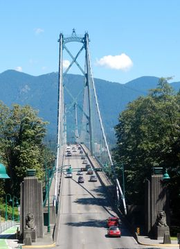 View close to Peak Point lookout of Lions Gate Bridge. , David Z - July 2016