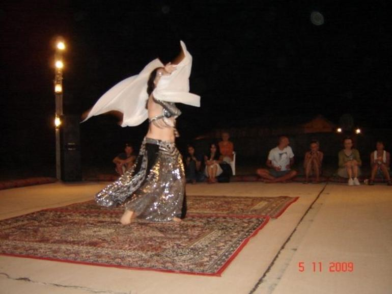 Performance of a belly dancer - Dubai