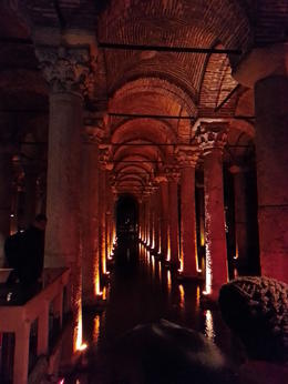 The Basilica Cistern (Turkish: Yerebatan Sarayı - and quot;Sunken Palace and quot;, or Yerebatan Sarnıcı - and quot;Sunken Cistern and quot;), is the largest of several hundred ancient cisterns ... , Frederico F - January 2014