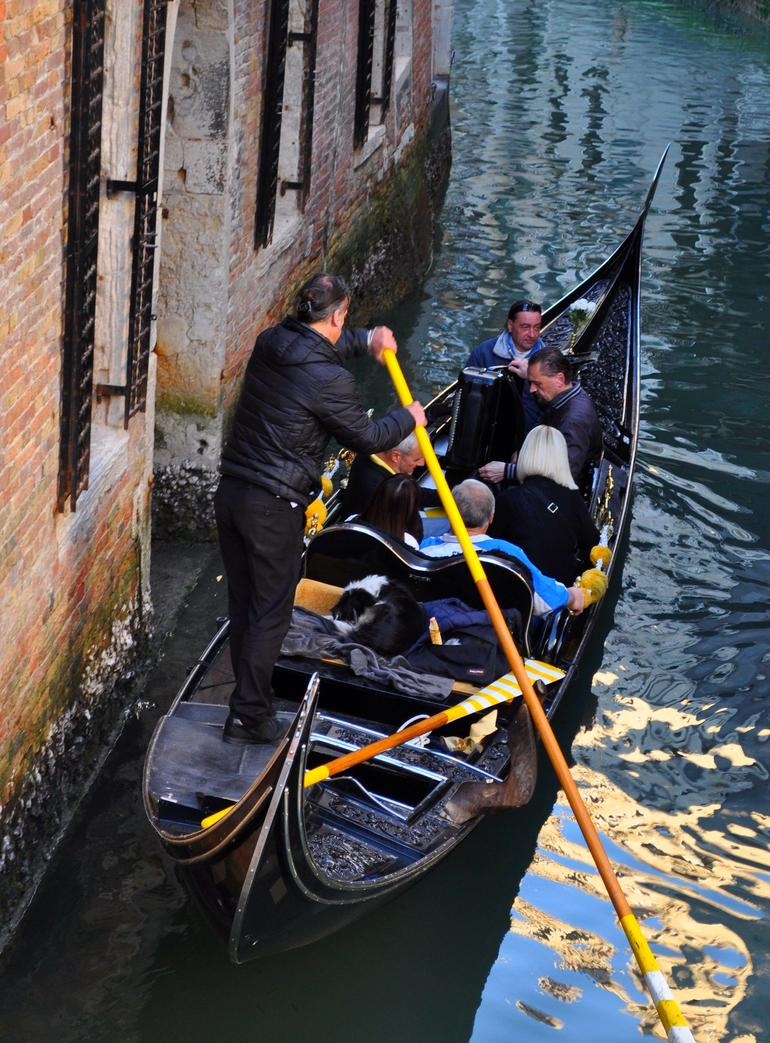 Private Tour: Venice Gondola Ride with Serenade photo 11