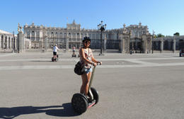 Stopped in front of the Palacio Real de Madrid , Ruby R - September 2017
