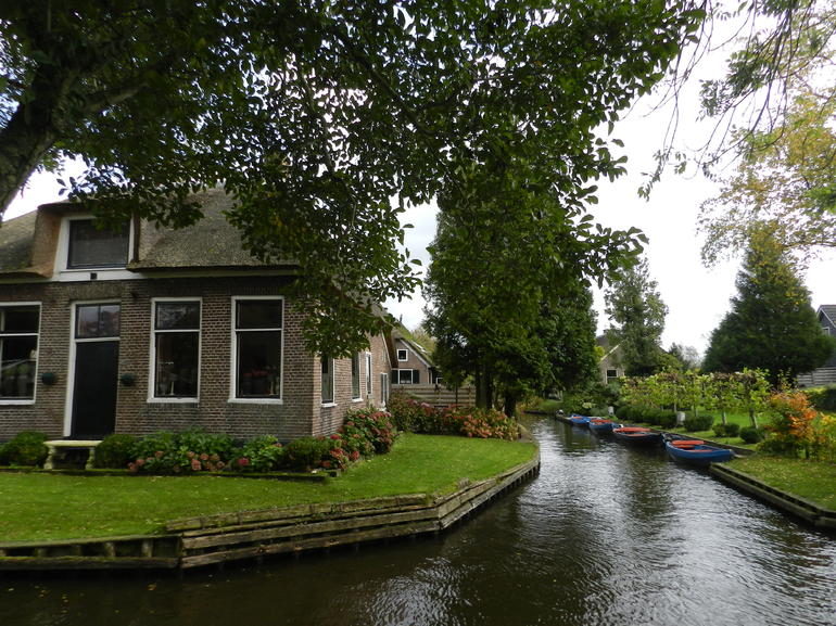 Giethoorn & Enclosing Dike Full-Day Tour from Amsterdam photo 26