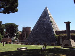 Rome's only pyramid. The cemetary next to the pyramid was a surprising find. , LESLIE W - June 2012