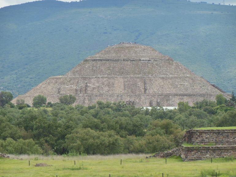 Teotihuacan Pyramids and Shrine of Guadalupe photo 23