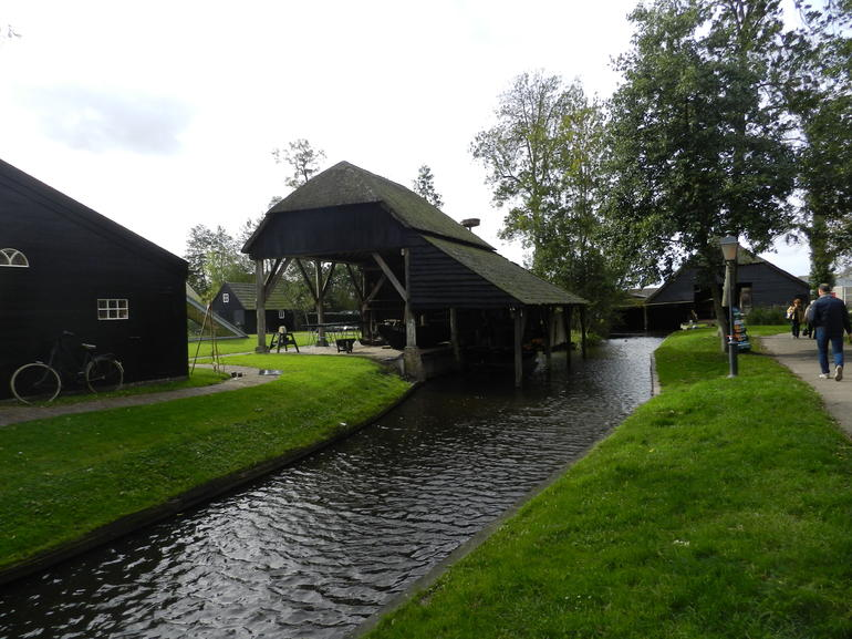 Giethoorn & Enclosing Dike Full-Day Tour from Amsterdam photo 25