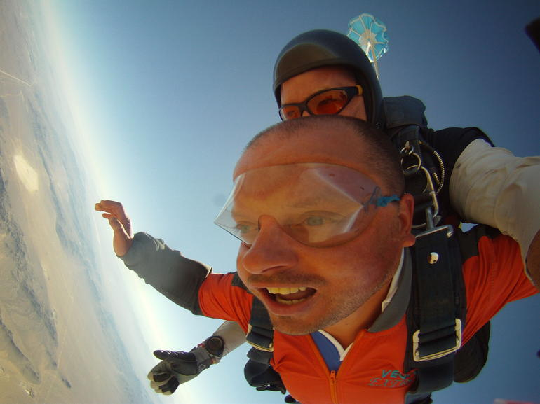 Extreme skydiving at 15000ft - Las Vegas