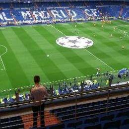 Lindo e moderno estádio. , Vanessa G - September 2015