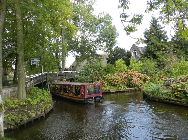 Giethoorn & Enclosing Dike Full-Day Tour from Amsterdam photo 24