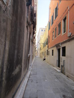 Great walking in Venice without the large tourist crowding around you. , Jose - September 2016