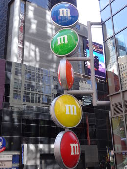 M and M store sign up close , Cindy A - May 2015