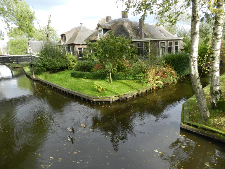 Giethoorn & Enclosing Dike Full-Day Tour from Amsterdam photo 23