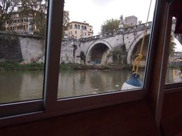 The boat we were on was nothing like what was advertised. We had NO VIEWS of St. Peter's or ANYTHING I would describe as unparalleled or unobstructed since all we saw was a graffiti-laden concrete..., kbolton - November 2015