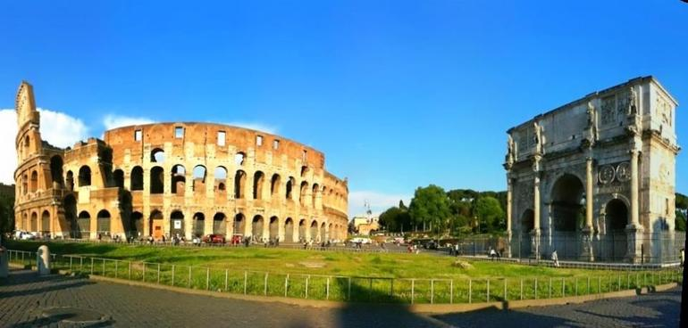 The lovely Colosseum and Arc of Constantine in the evening. - Rome