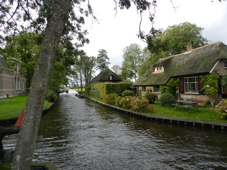 Giethoorn & Enclosing Dike Full-Day Tour from Amsterdam photo 22