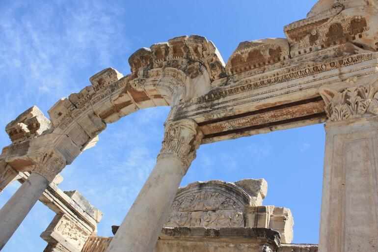 Ephesus ruins - Izmir