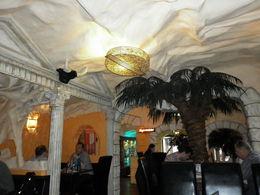 Sfeervol Mexicaans restaurant op 130 mtr van Hotel Nova waar je voor een hele redelijke prijs heerlijk kunt eten, evenals bij het Turkse restaurantje/café schuin tegenover het hotel. , SW V - May 2015