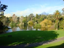 A nice lake in the Royal Botanic Gardens , Leah - May 2011