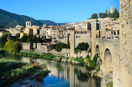 Our first stop, the beautiful village of Besalu. , KL1NGON - January 2017