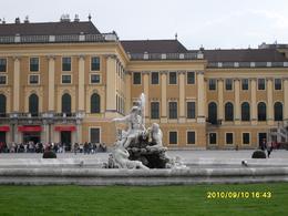 Beautiful Schonbrunn Palace, Melinawati S - September 2010