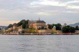 Akershus castle , Hang N - August 2012