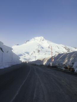 Driving up to mount hood , HT - March 2011
