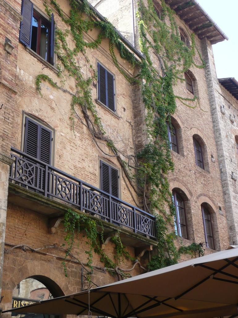 San Gimignano Main Piaza - Florence