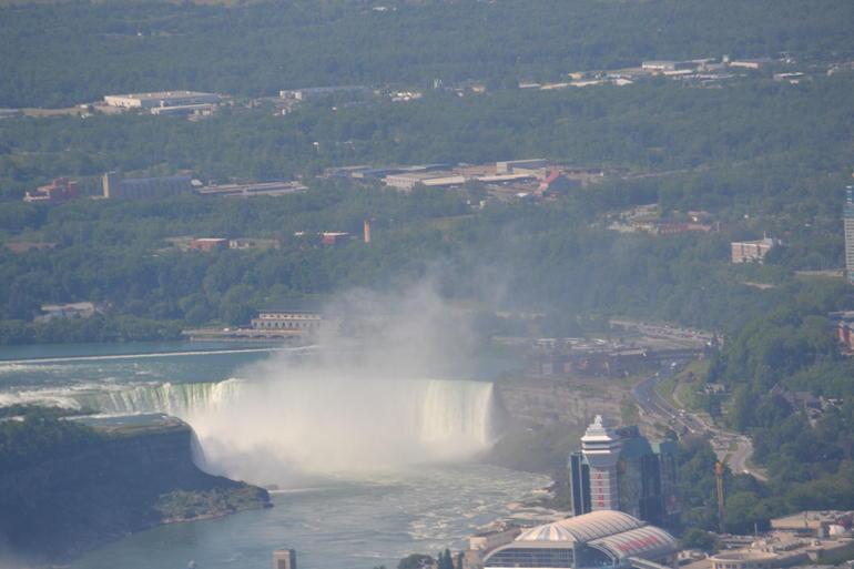 Au dessus des chutes - Niagara Falls & Around