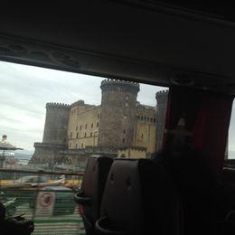 La fotografía es prácticamente lo único que alcancé a ver del castillo, el camión iba rápido , Carlos J - April 2016
