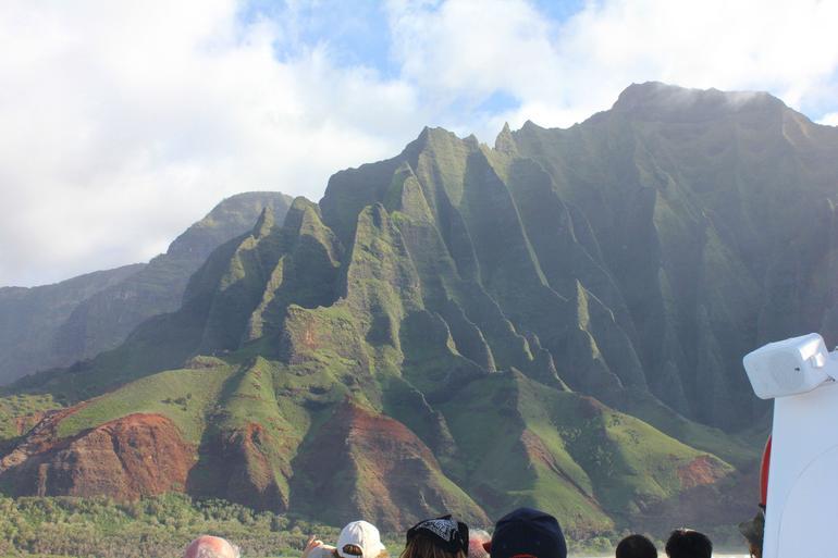 Na Pali Sunset Cruise - Kauai