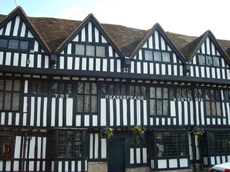 Houses Stratford on Avon - London